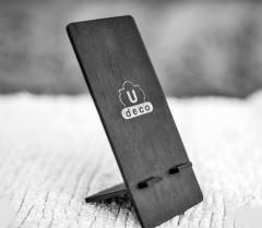 Suport din lemn pentru telefon