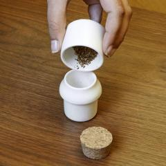 Ustensila mica pentru macinat - Ceramic Grinder and Jar Small White