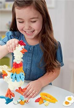 Set Play-Doh - Animal Crew: Puiul cu pene colorate