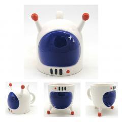 Cana - Space Cadet Astronaut Spaceman Helmet, Upside Down Ceramic Mug
